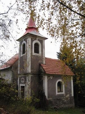 kaple v obci Malý Hrzín - říjen 2009