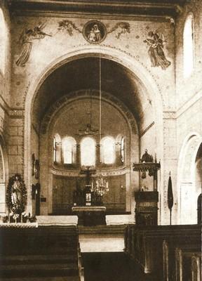 interiér kostela v době před rokem 1945