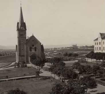kostel Povýšení sv. Kříže v době před rokem 1945